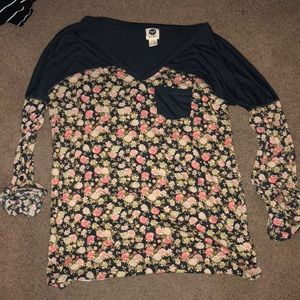 Roxy navy/floral tee with cuffed sleeves